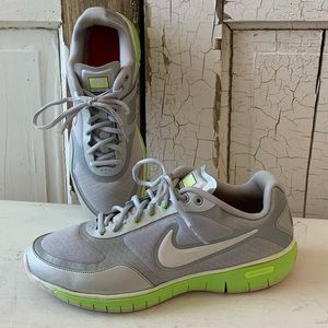 Nike Training athletic shoes Size 9